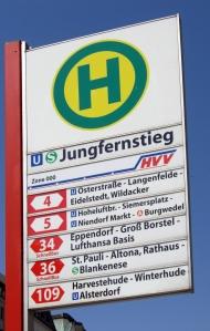Haltestellenschild_Jungfernstieg_retouched